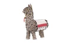 630x390__0002s_0000s_0001_wicker-alex-the-alpaca